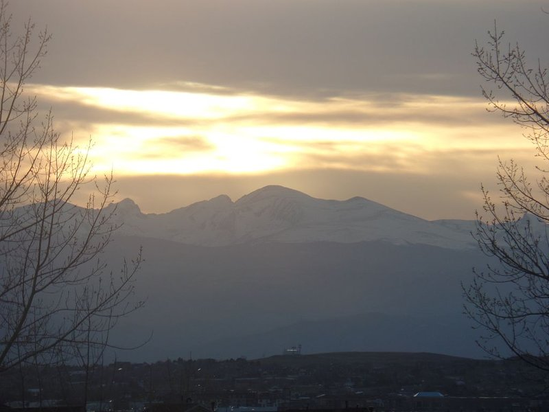 Beautiful Home with Mountain Views, vacation rental in Thornton