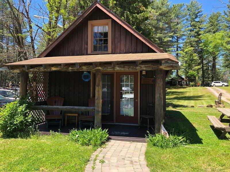 Chambers' Inlet Cottage, alquiler de vacaciones en Eagle Bay
