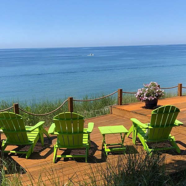 Stunning Lake Michigan Views with 110 Feet Private Beach on One Acre., casa vacanza a Muskegon County