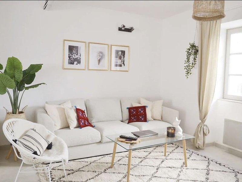 Quinta Olympia - Terrace with exceptional view!, aluguéis de temporada em Montfrin