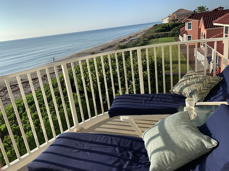 Oceanfront (Monthly Rental), casa vacanza a Melbourne Beach