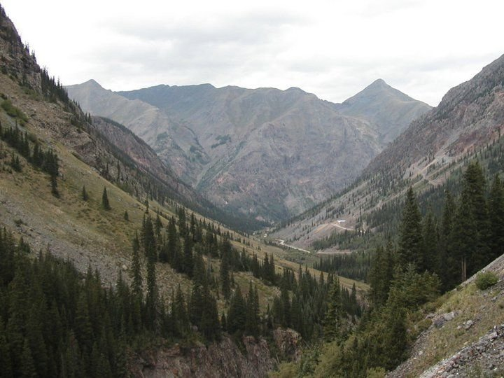 Sleep in a restored 100 year old Mining Bunkhouse, vacation rental in Silverton