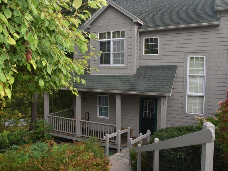 Green Harbour overlooking Lake George, vacation rental in Lake George