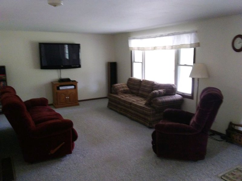 Northern Michigan Retreat for all Seasons of the Year, holiday rental in Irons