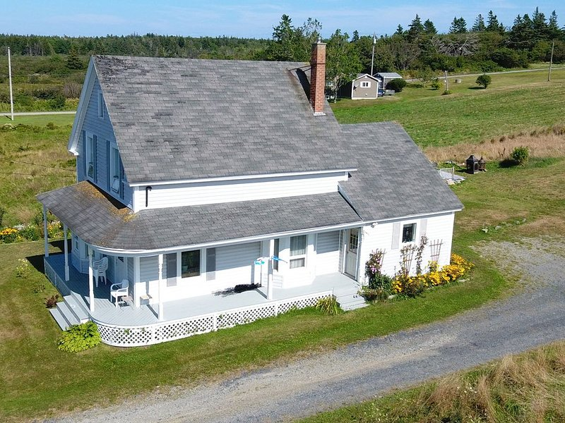 Ocean View Vacation Get-Away in Church Point (Clare), NS, vacation rental in Weymouth