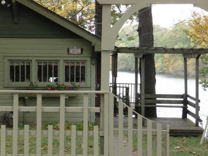 North Webster Lakefront Rental: Northern Indiana Vacation Cottage, alquiler vacacional en Warsaw