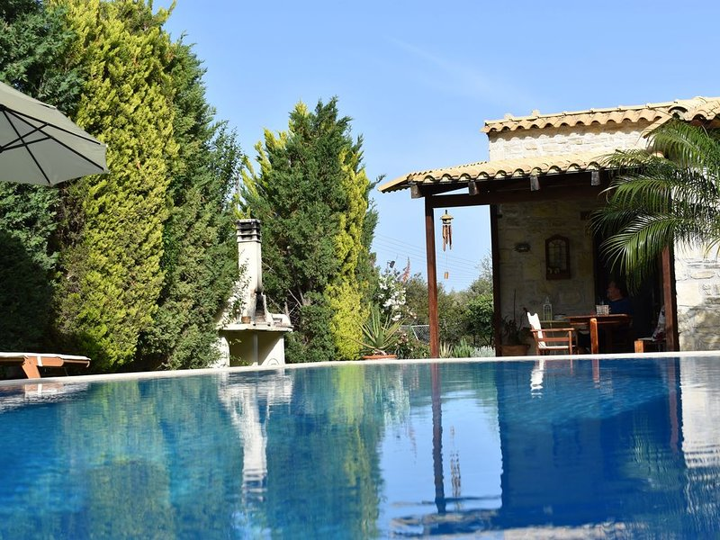 holiday  villa  with  private  pool and garden in south crete near arvi village!, holiday rental in Tsoutsouras