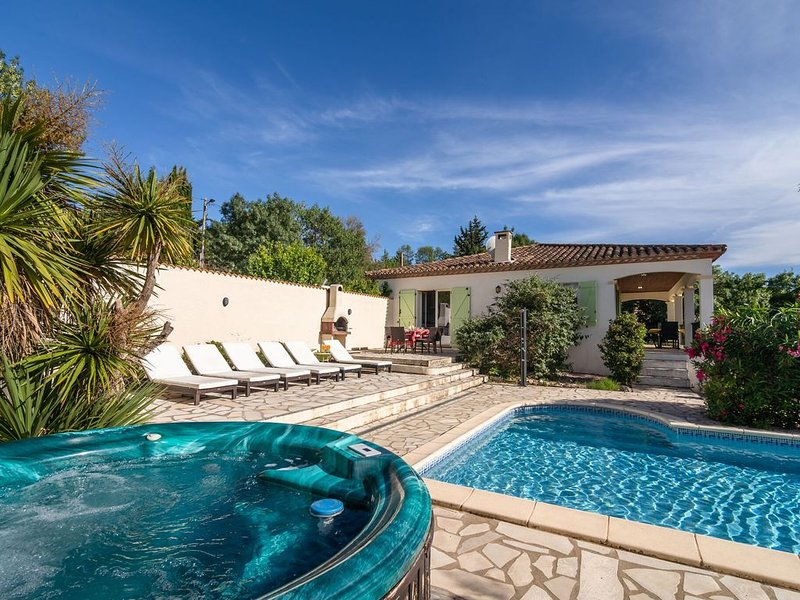 Cozy Villa in Félines-Minervois with Private Pool, holiday rental in Rieux Minervois