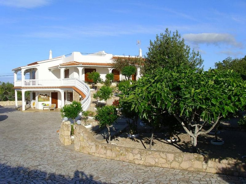 Vivenda T3 com piscina privada e jardim, casa vacanza a Gale