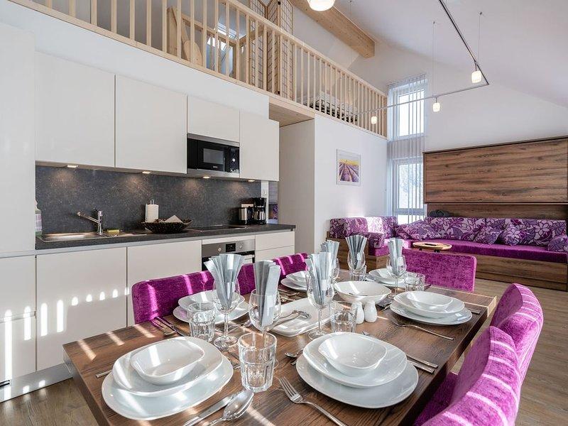 Beautiful Apartment in Sankt Georgen with Balcony, vacation rental in Bruck an der Grossglocknerstrasse