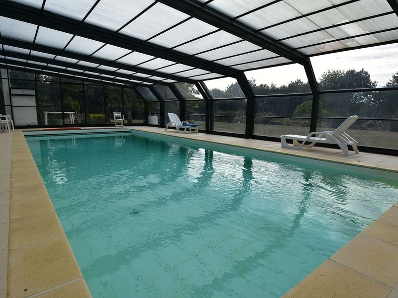 Holiday Home in Lamonzie-Montastruc with Pool, holiday rental in Clermont de Beauregard