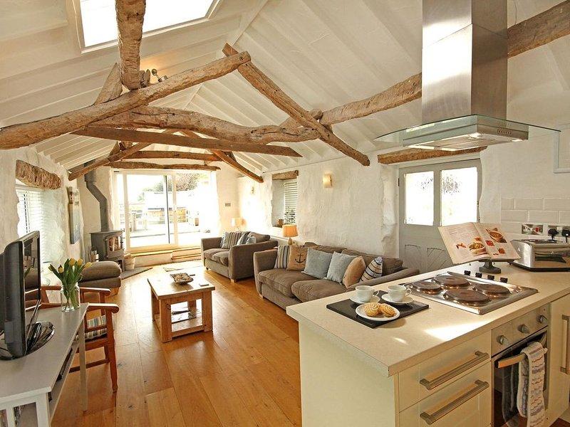 Boathouse and Mooring, BRYNSIENCYN, casa vacanza a Brynsiencyn