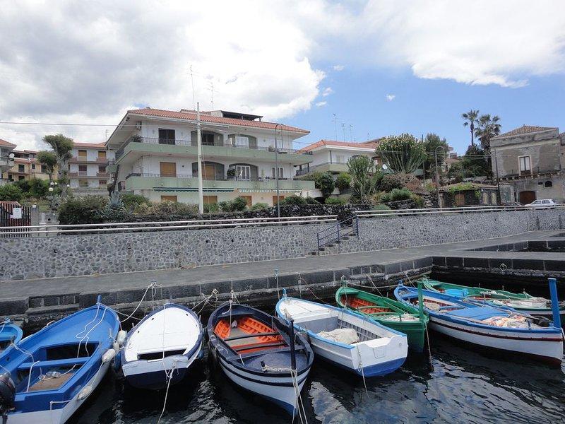 Appartamento Sul Mare, holiday rental in Scillichenti