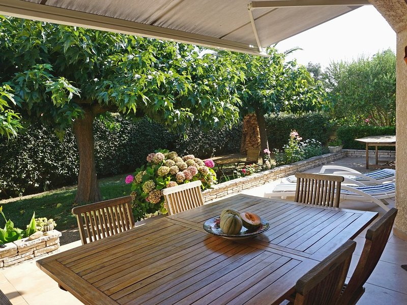 Villa indépendante, dans quartier calme, reposant,  Labéllisée GITES de FRANCE, alquiler vacacional en Le Grau-du-Roi