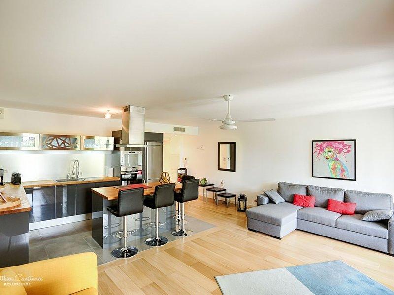Appartement de standing. Terrasse, jardinet, WIFI, parking. 4 pers, location de vacances à La Ciotat
