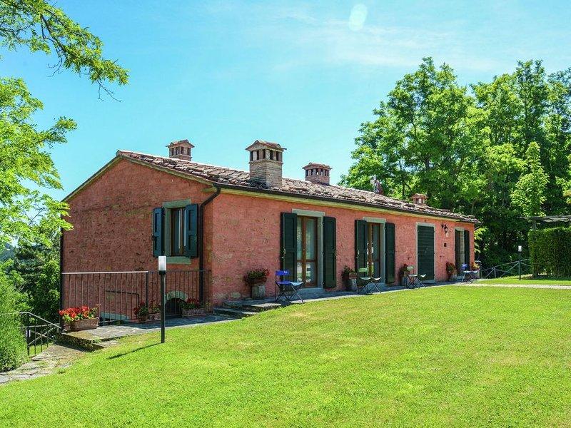 Spacious Villa in Marradi with Swimming Pool, vacation rental in Tredozio