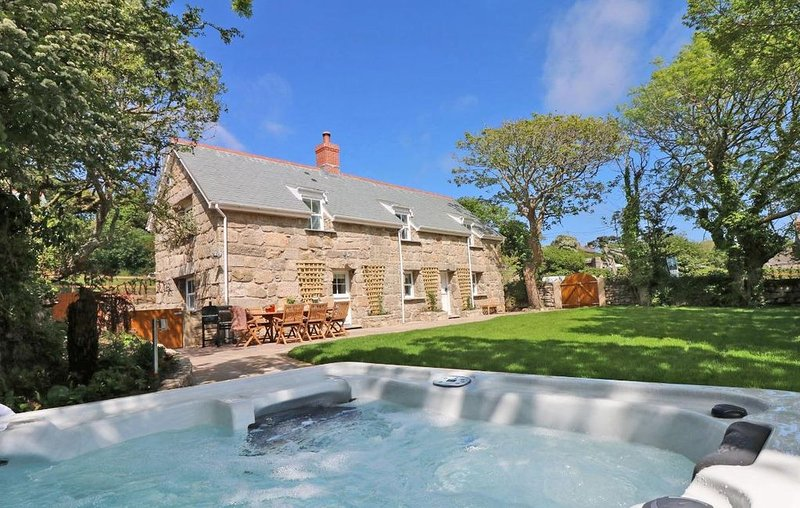 The Old Forge, St Just, ST JUST, holiday rental in St Just