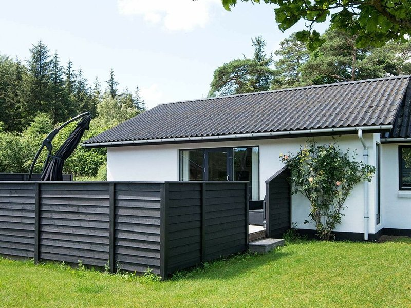 Inviting Holiday Home in Borkop with Terrace, casa vacanza a Horsens