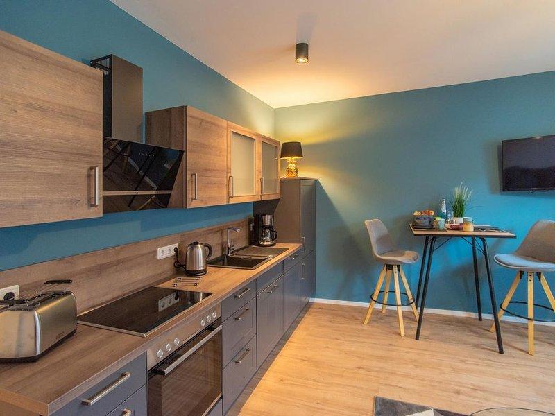 Design-Apartment mit WLAN Küche Bad Handtüchern Bettwäsche u. Stellplatz, alquiler de vacaciones en Wernigerode
