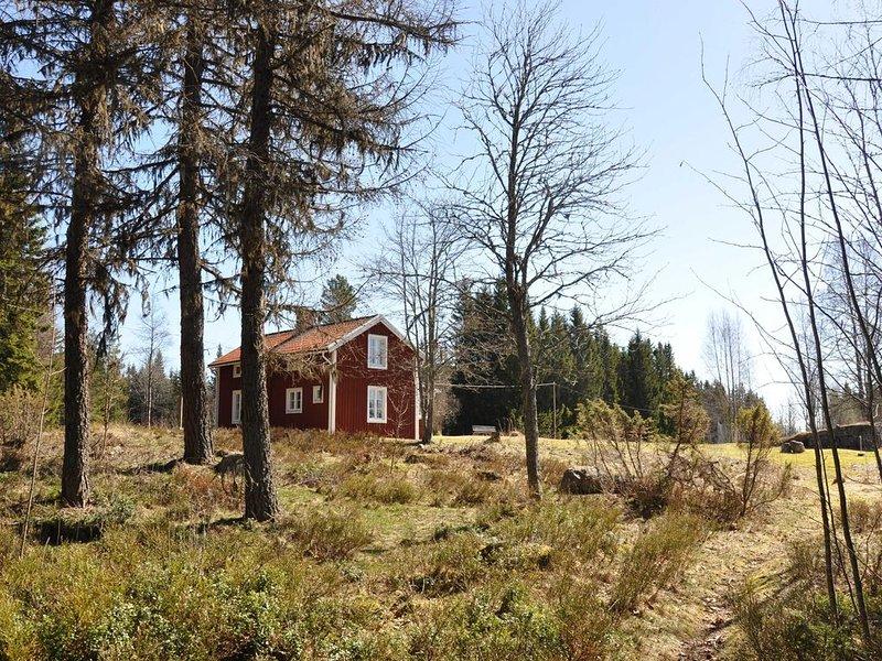 Stuga med tillgång till tystnad,endast naturens egna ljud ., holiday rental in Svabensverk