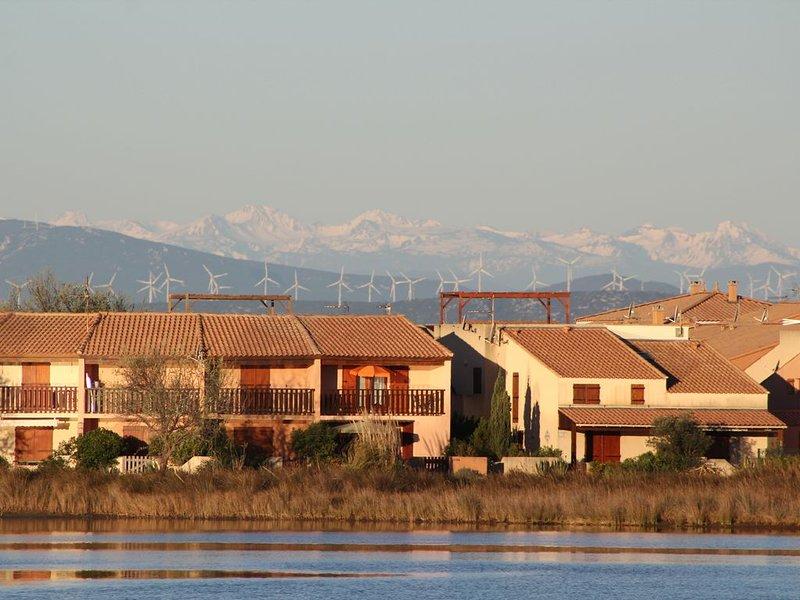 Ferienhaus direkt am Sandstrand in Traumlage in einer Anlage mit Pool, Internet, holiday rental in Gruissan