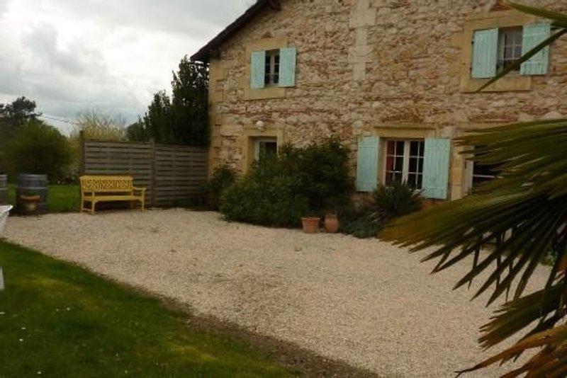 UN GITE DES ANES ..., location de vacances à Bergerac