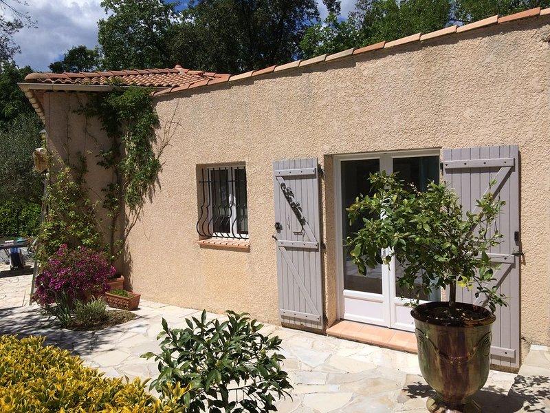 Petite villa indépendante (entre Nice et Grasse), casa vacanza a Roquefort les Pins