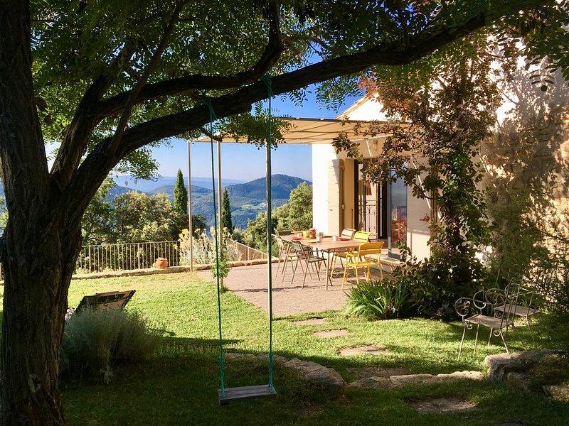 Bergerie rénovée en Provence dans un site d'exception avec piscine, alquiler vacacional en Suzette