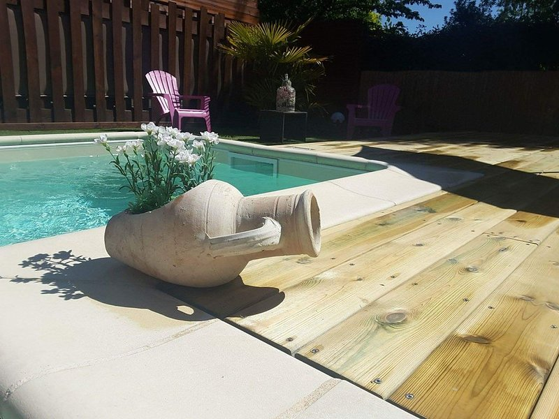 PROMO fin août septembre  Maison bois piscine chauffée  spa internet velos calme, vacation rental in Biscarrosse