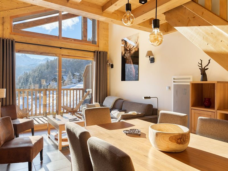 APPARTEMENT  'LES CHARDONS'  - 8 Pers -SKI AUX PIEDS - CHAMPAGNY - LA PLAGNE, holiday rental in Champagny-en-Vanoise