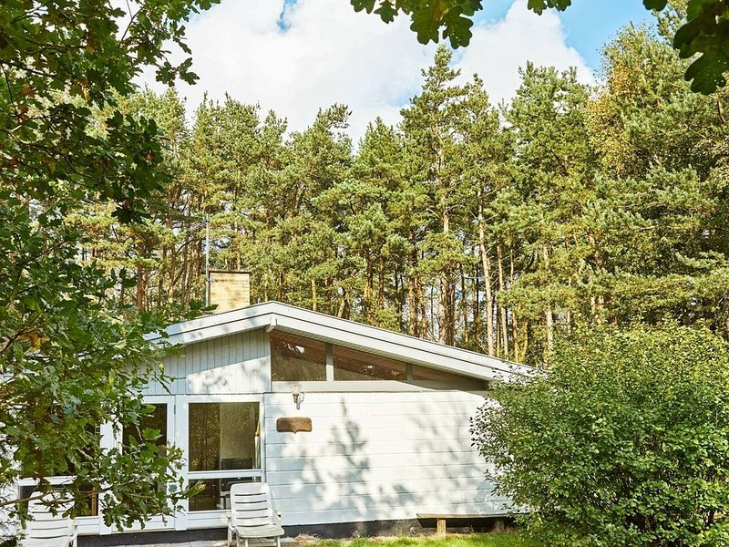 Cozy Holiday Home in Aakirkeby Bornholm near the Sea, vacation rental in Roenne