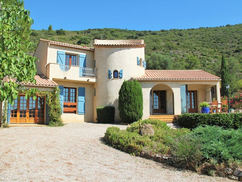 Charme, vue et confort., holiday rental in Vieussan