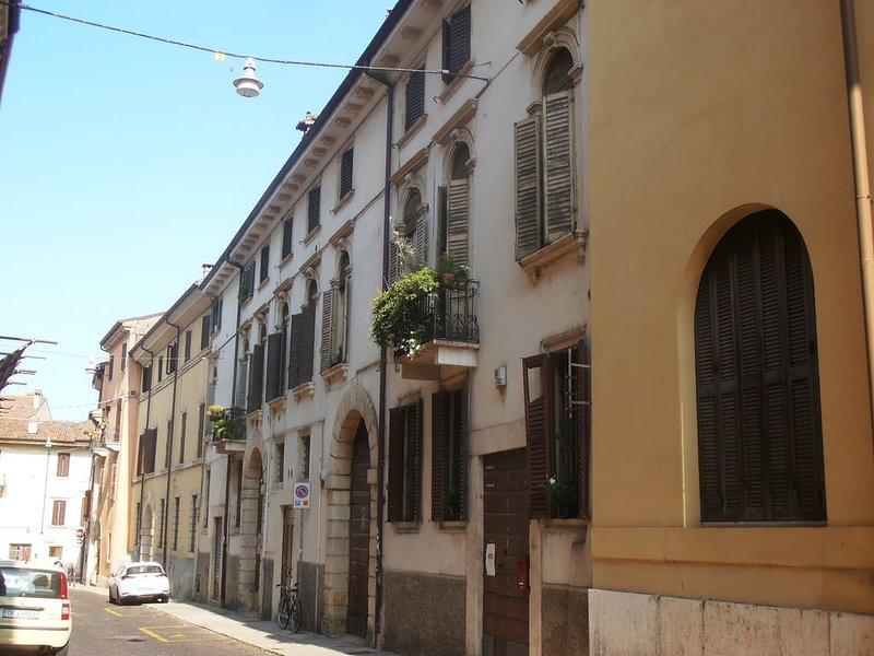 Stay in Verona center, vacation rental in San Pancrazio