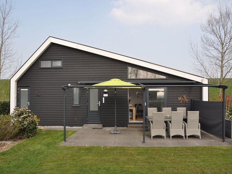 Attractive holiday home with wonderful garden near the Eastern Scheldt, holiday rental in Baarland