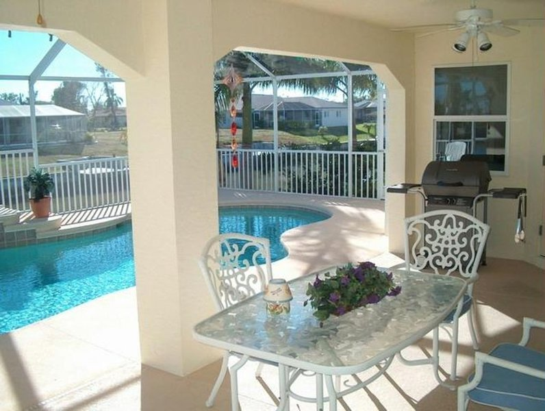 Relax at Fabulous Villa Genoa!, holiday rental in Cape Coral