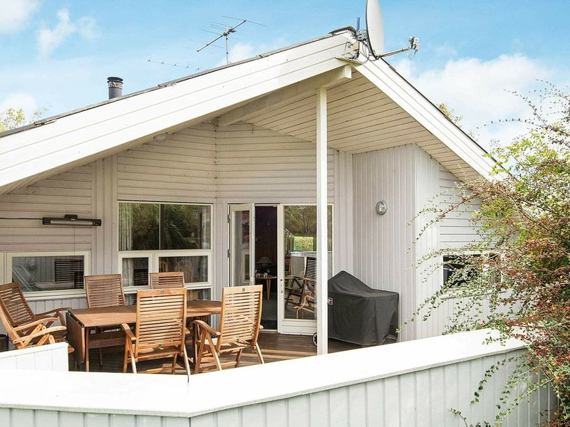 Airy Holiday Home in Juelsminde with Sauna, casa vacanza a Horsens