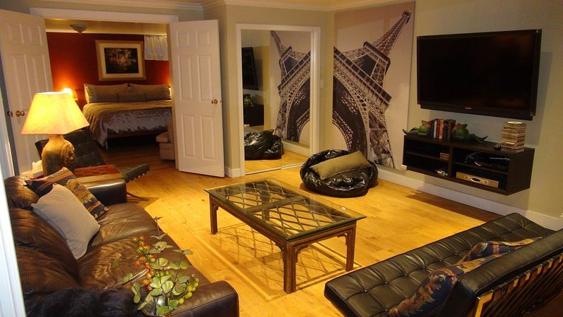 Two Bedroom Basement Suite - North Vancouver - West Vancouver, vakantiewoning in North Vancouver