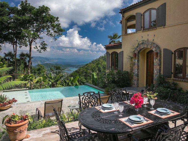 Bordeaux Falls - 5 Stars - Stunning Views of Coral Bay and the BVIs!, aluguéis de temporada em Coral Bay
