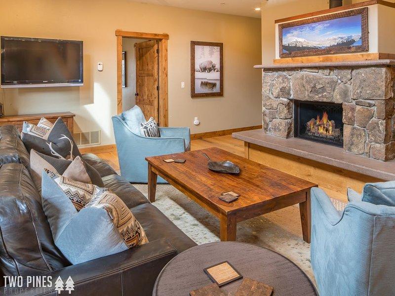 Luxurious Townhome in Big Sky`s Town Center | Your Winter Retreat Starts Here!, aluguéis de temporada em Gallatin Gateway