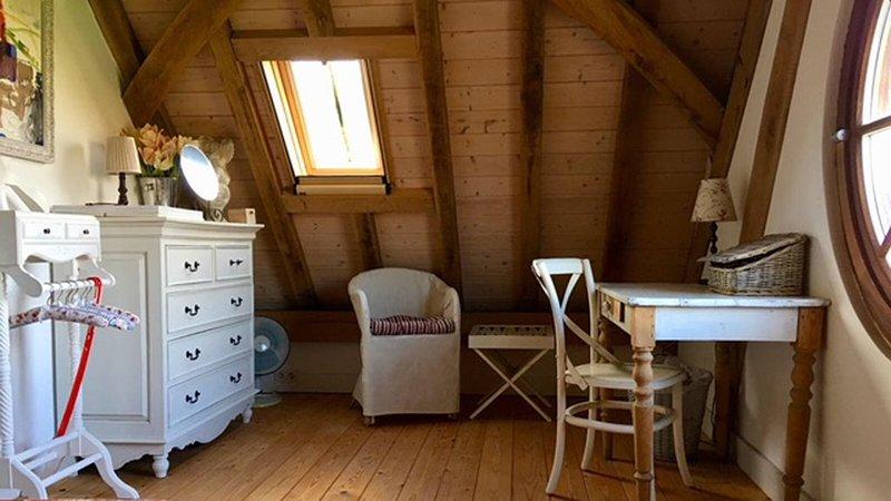 luxe cottage , dicht bij stranden, bossen, Bergen aan Zee ,Alkmaar en Amsterdam, holiday rental in Oterleek