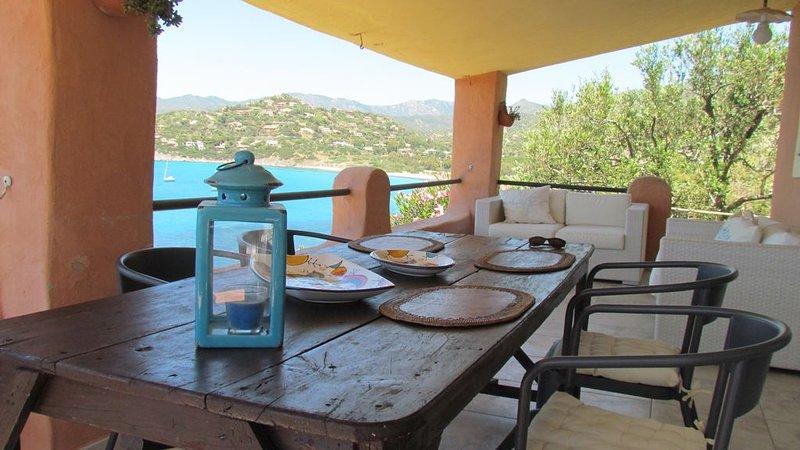 Villa Chiaro di Luna - indipendente con accesso diretto al mare, alquiler vacacional en Torre delle Stelle