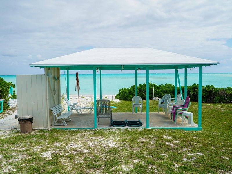 Brand New,Beach front property on Spanish Wells, holiday rental in Eleuthera