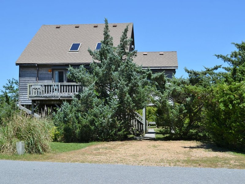 Tranquility Cottage - A  few houses from the ocean or sound . {Waves, N.C.}, vacation rental in Waves