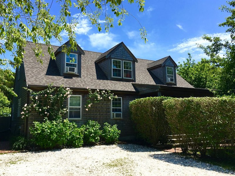 Sparkling, Family-Friendly House in Great Surfside Location, vacation rental in Siasconset