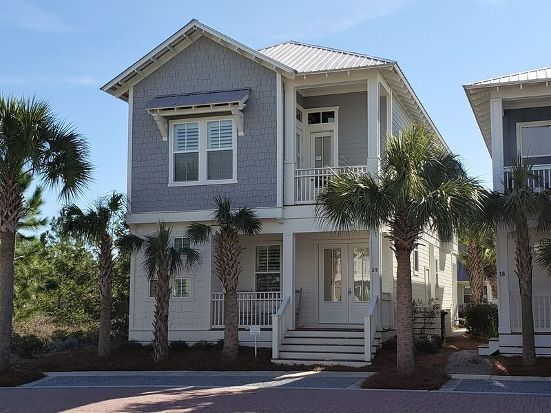 Spacious 4 bd/3.5 bth Luxurious Home Near Alys & Rosemary W/Tram!, holiday rental in Rosemary Beach