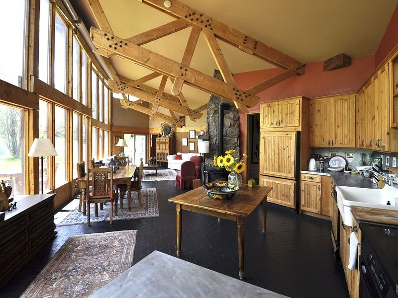 Gorgeous Boutique Ranch (Pet-friendly!) Next to  skiing, fishing, rafting, alquiler vacacional en Woody Creek