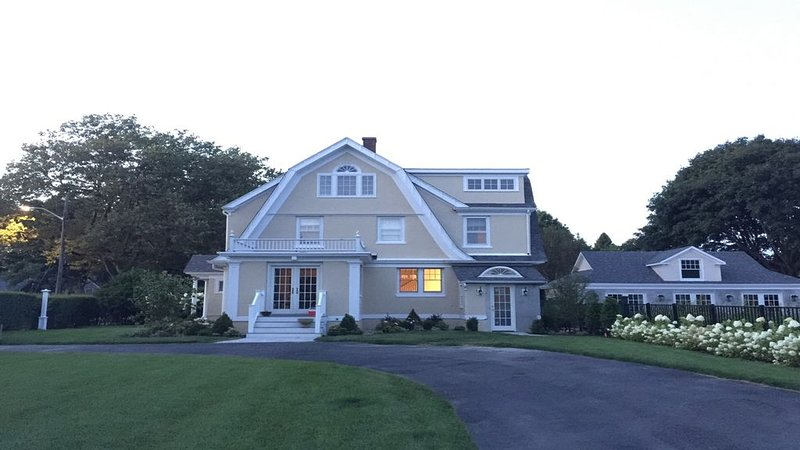 Beautiful 5 Bedroom House with Pool & Guest House  - Steps to Beach & Town, vacation rental in Falmouth