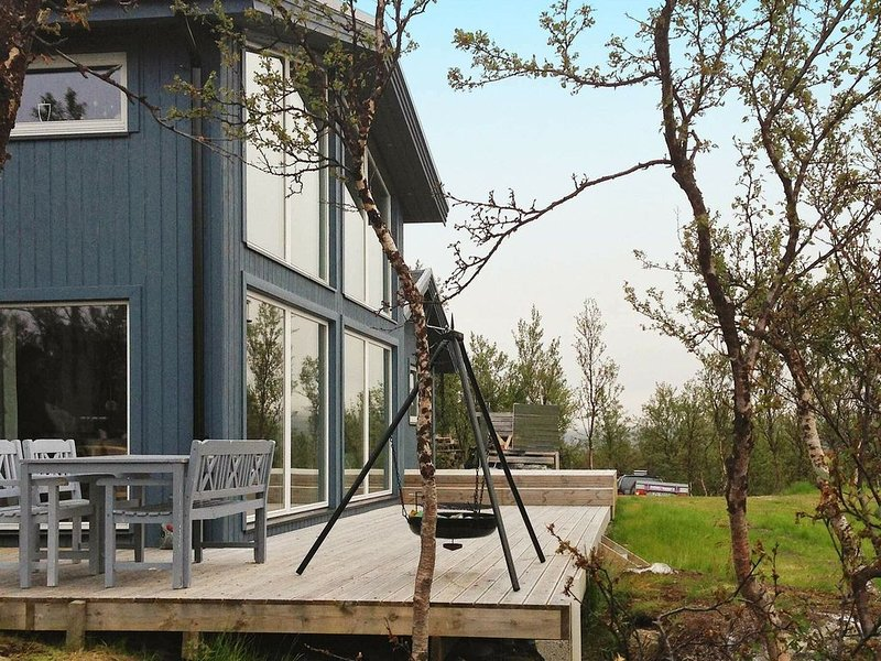 4 star holiday home in Kvalsund, holiday rental in Repparfjord