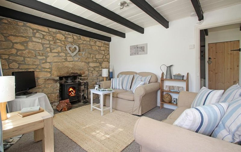Driftwood Cottage, HELSTON, vacation rental in Tresowes