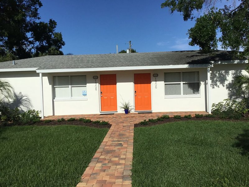 Roomy Duplex in Vero's Cultural Art District, holiday rental in Indian River Shores